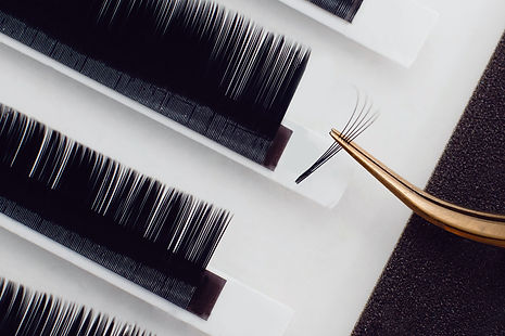 eyelash extensions2.jpg