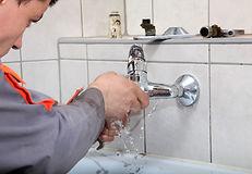 Intervention pour détecter et réparer les fuites