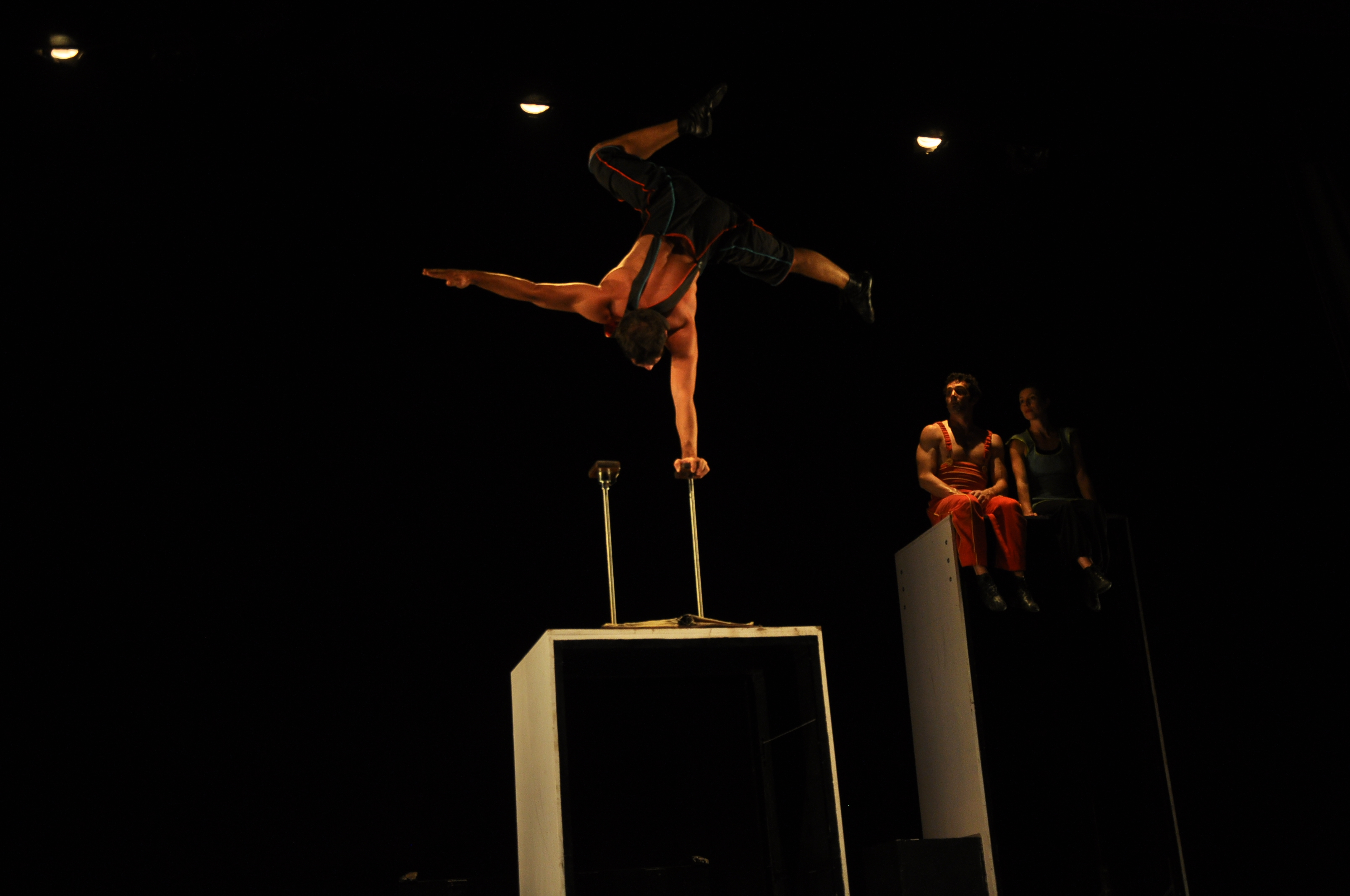 La Compagnie 3 Fois Rien in '2 Parallels' at Qadir Ali Baig Theatre Festival 2014