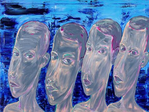 Männer vor königsblauem Hintergrund