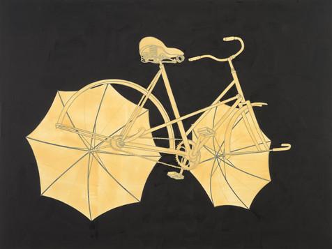 Odjíždějíci kolo s děstníky na tmavém pozadí