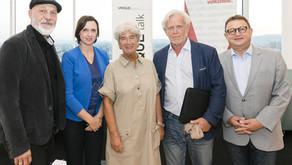 UNIQUE talk: Mit Würde Mensch bleiben