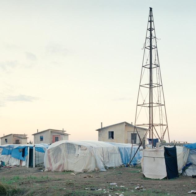 L'insediamento di lavoratori stagionali lungo la strada Mulini Matinelle (Basilicata) / 1