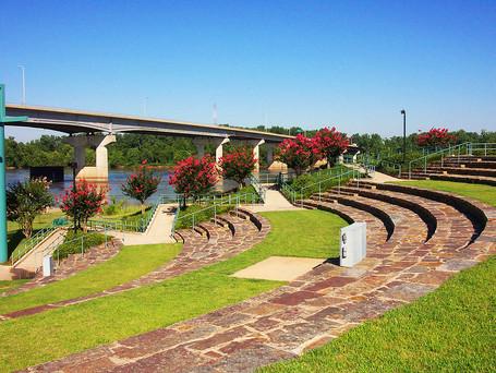 Harry E. Kelley Riverfront Park & Amphitheatre