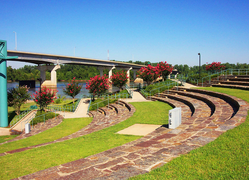 Harry E. Kelley Riverfront Park & Amphitheatre