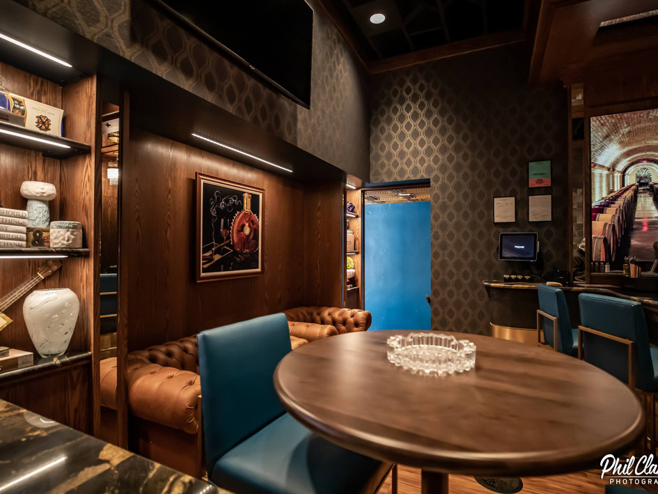 906 Lounge