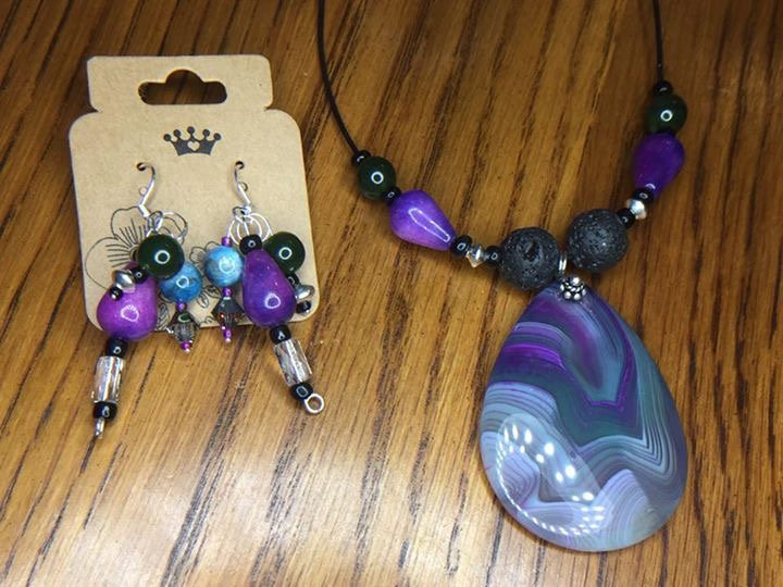 Purple Onyx Agate Pendant w/ matching earrings