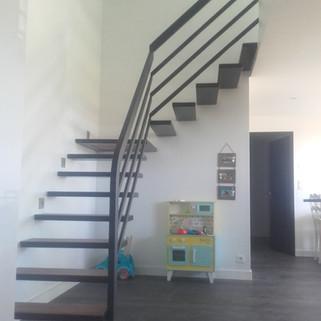 Escalier métal_bois encastré Riec_Belon