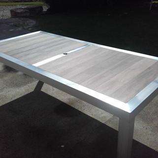 Table Inox et bois.jpg