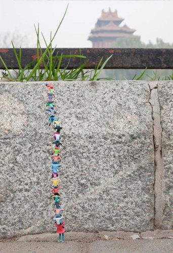 "Slinkachu -  ""Great Wall"""