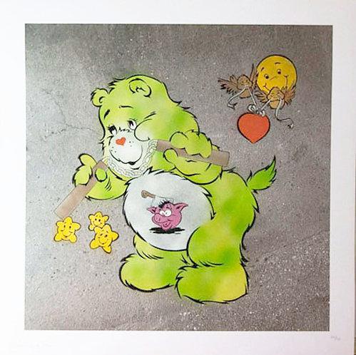 """Eine -""""Scare Bear"""" (green)AP"""