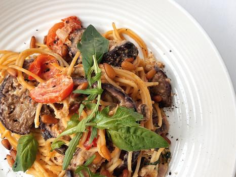 Mediterranean Vegetable & Hummus Linguine