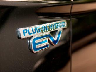 Zertifiziert für Hybrid- und Elektrofahrzeugreparatur