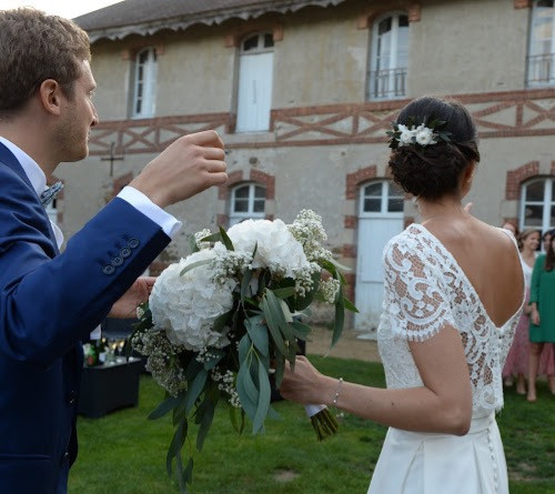Bouquet de mariée et barette fleurie
