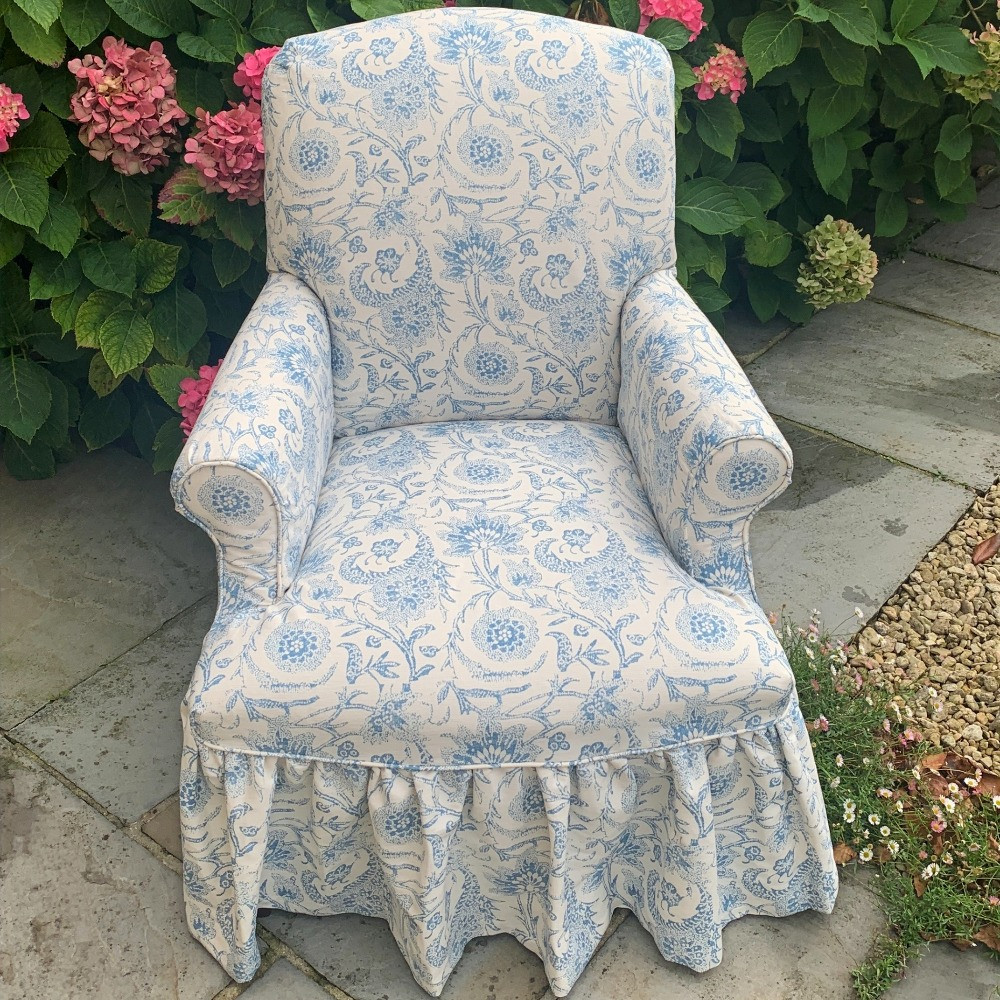 Lambourne chair with frilled skirt
