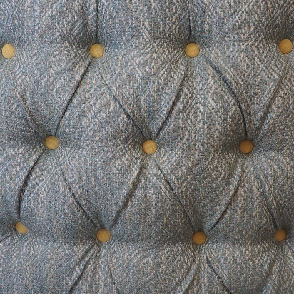 Button-back detailing