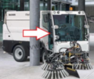 Стекло дверное правое коммунальная машина пылесос Bucher CityCat 2020 матек