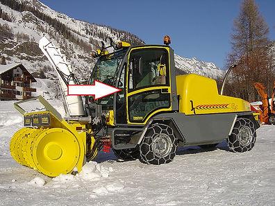 Стекло переднее левое для снегометателя BOSCHUNG B4