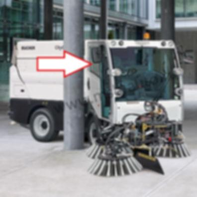 Стекло дверное правое, левое (форточка)  коммунальная машина пылесос Bucher CityCat 2020 матек
