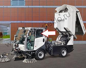 Cтекло дверное левое (форточка) для коммунальной машины Bucher CityCat 2020
