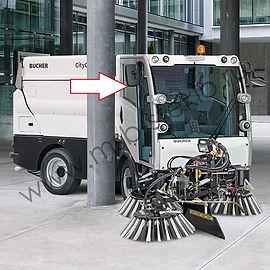 Cтекло дверное правое (форточка) для коммунальной машины Bucher CityCat 2020