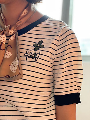 #41702 miss viola wh grn floral knitted top