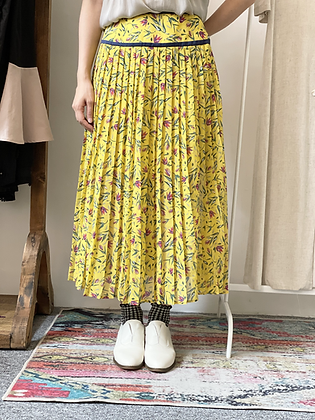 #41783 sly yellow floral skirt