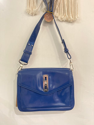 #25120 staccato blue leather crossbody