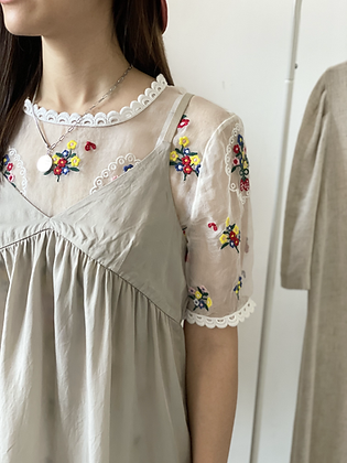 #42074 floral embroidery mesh top