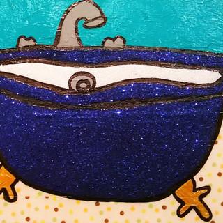 Deep Blue Glitter Tub with Polka Dot Floor