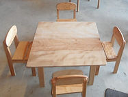 Meuble bois massif bio - Table et chaises enfant