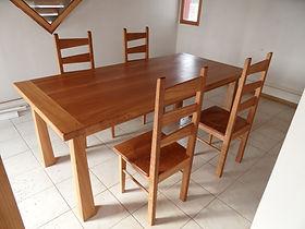 Meuble bois massif - Table et chaises