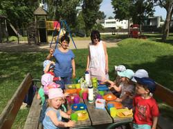 Comida al aire libre kindergruppe