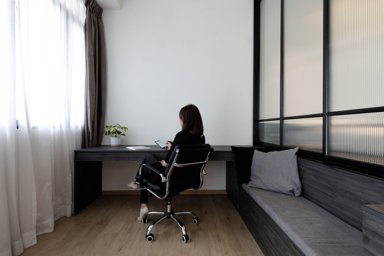 Hock Hoon, Soh Xin Hui, Ng Ci En, Ng Chin Hok, Chua Min Sheng, Loft, Studio Apartment, Jake Goh, Fluted glass, Leather sofa, Interior Design Singapore, King Albert Park Residence