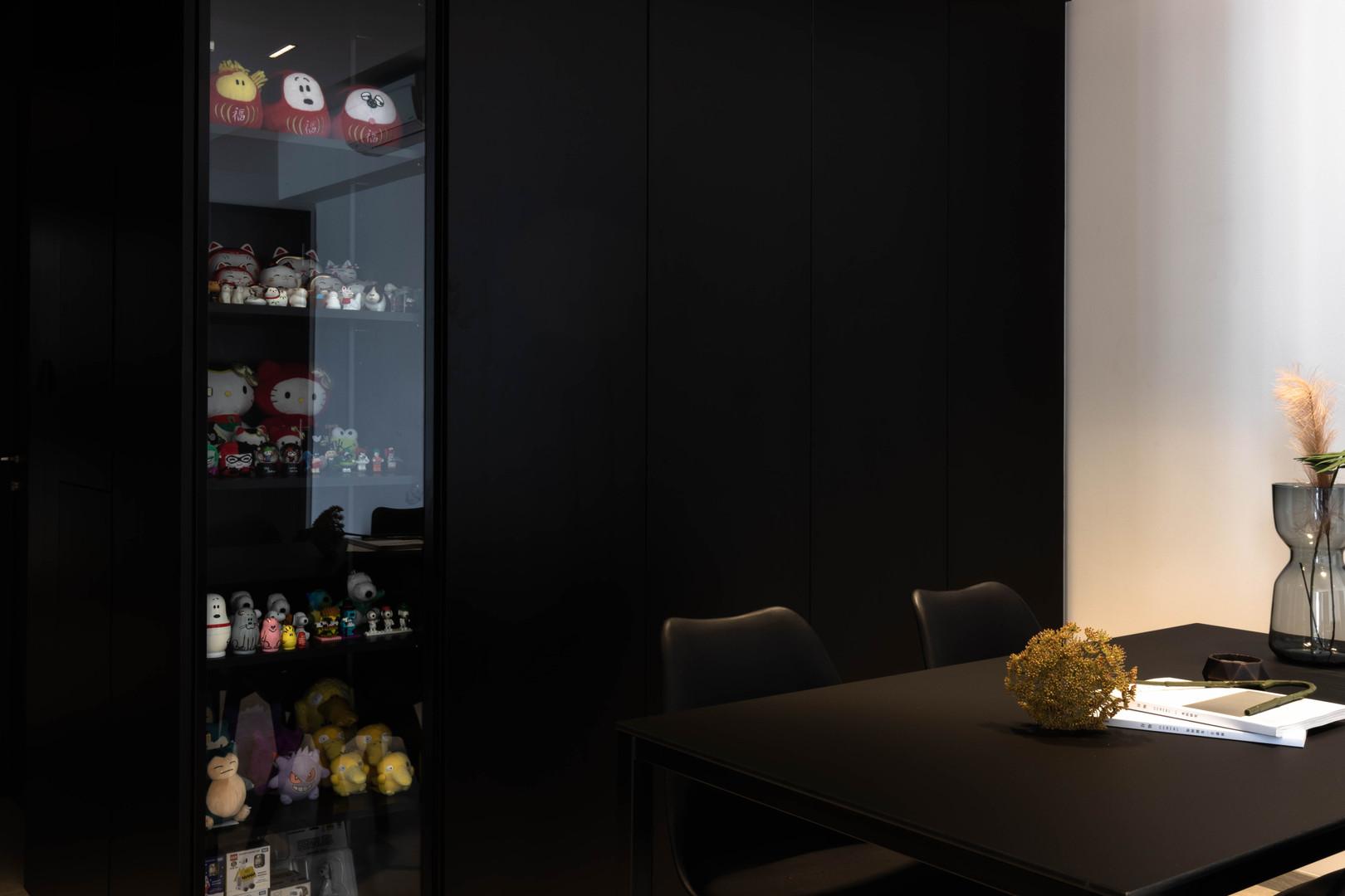 Hock Hoon, Interior Design Singapore, Minimalist Interior Design, Botanique at Bartley, Carpentry, Castlery, Sol Luminaire, TV Console, Sofa, Dining Table, Inz Residence, Monochrome design