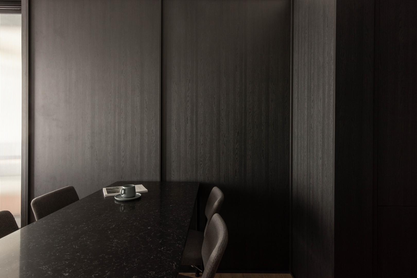 Hock Hoon, Soh Xin Hui, Ng Ci En, Ng Chin Hok, Chua Min Sheng, Loft, Studio Apartment, Jake Goh, Fluted glass, Leather sofa, Interior Design Singapore, Sennett Residences, Bachelor Pad, Best Carpenter Singapore, Best Interior Designer Singapore