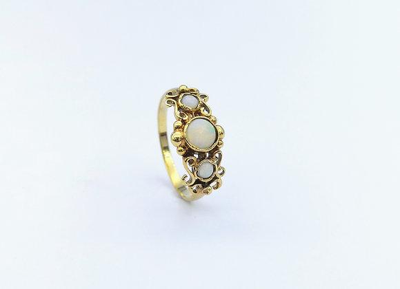 9ct 3 Stone Round Opals Ring
