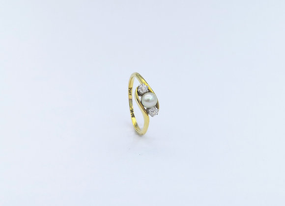 Platinum & Gold 3 Stone Natural Pearl & Diamond Ring