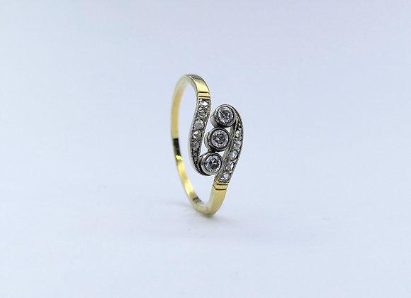 15ct Edwardian 3 Stone Diamond Ring, Diamond Shoulders