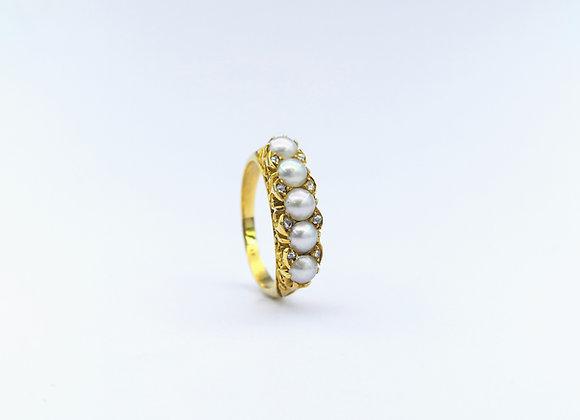 18ct Round Pearl & Diamond  Ring