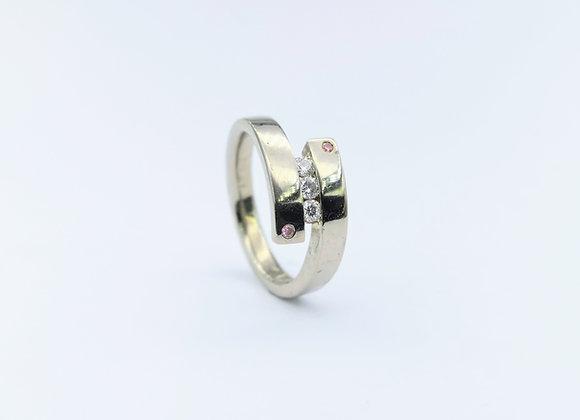 18ct Pink & White Diamond Ring