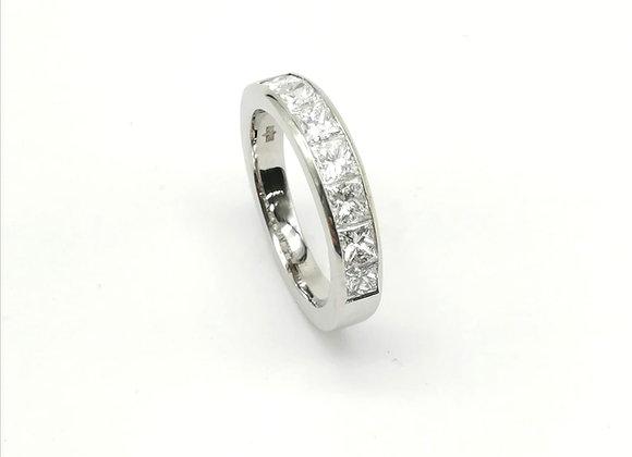 18ct Square Diamond 7 Stone Ring
