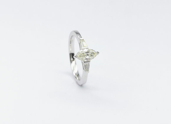 18ct Marquise & Baguette Diamond Ring