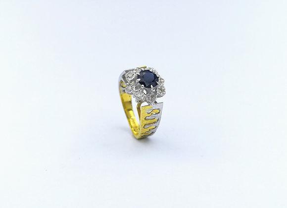 18ct Sapphire & 8 Diamond Cluster Ring