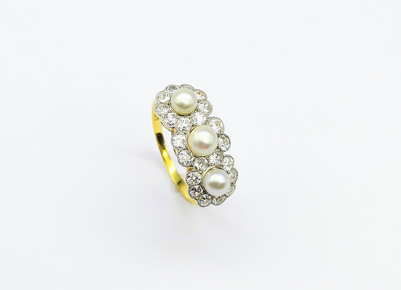 18ct 3 Pearl & Diamond Cluster Ring