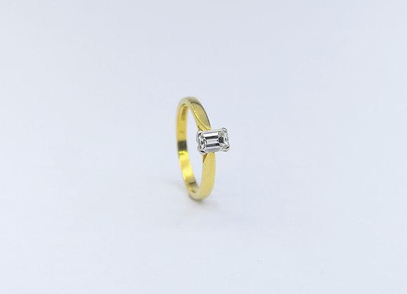 18ct Baguette Diamond Single Stone Ring