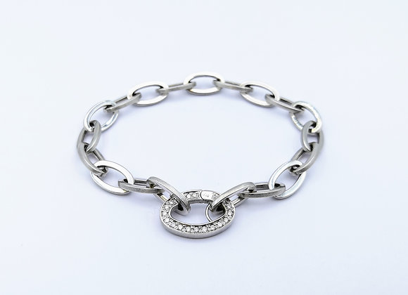 White Gold Oval Link Bracelet With Diamond Clasp