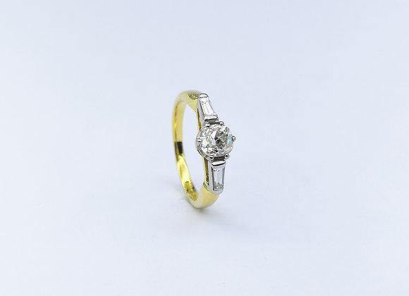 18ct Brilliant & Baguette Diamond Ring