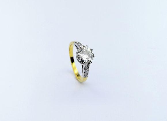 18ct Single Diamond Ring,  Diamond Shoulders