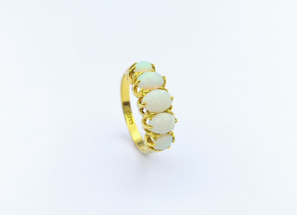 18ct 5 Stone Graduated Oval Opal Ring